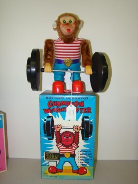 17: BOXED BATTERY OPERATED CHAMPION WEIGHT LIFTER