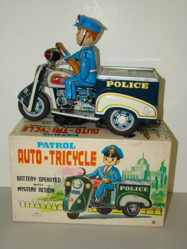 22: BOXED T.N. POLICE PATROL AUTO TRICYCLE