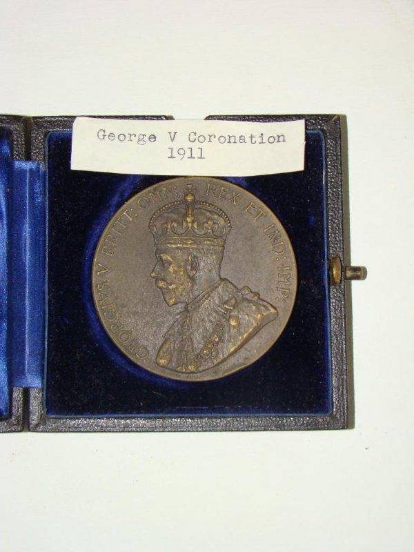 4004: 1911 GEORGE V CORONATION MEDAL