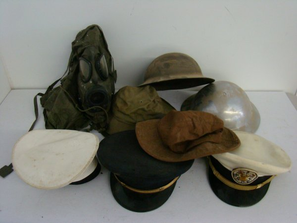 4020: LOT OF MILITARY HATS