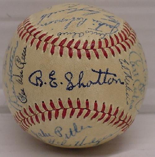 6: BROOKLYN DODGERS SIGNED TEAM BALL CIRCA 1949