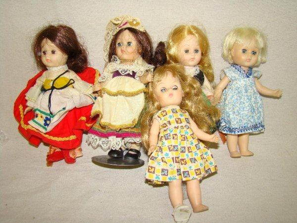 14: LOT OF 5 VOGUE GINNY DOLLS