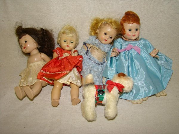 18: LOT OF 5 ASSORTED DOLLS.