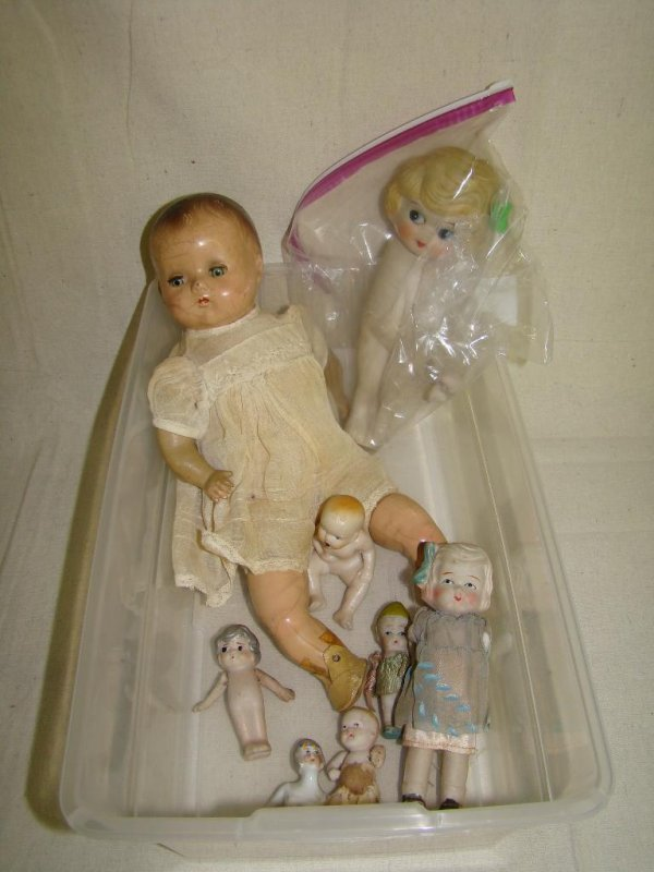 21: LOT OF 8 DOLLS INCL. BISQUE