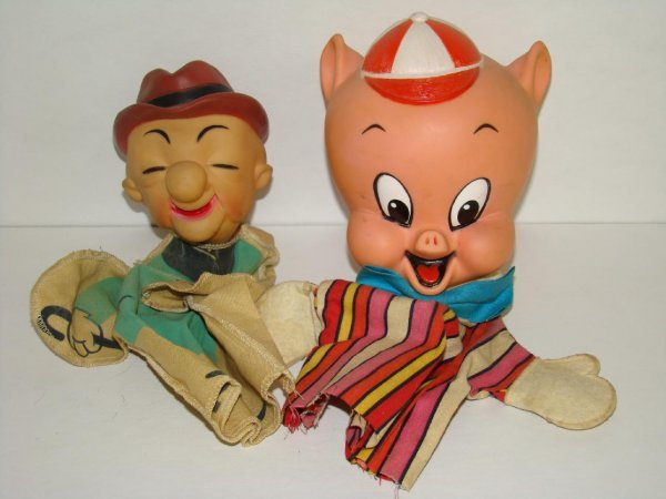 1005: LOT OF TWO VINTAGE WARNER BROS. HAND PUPPETS