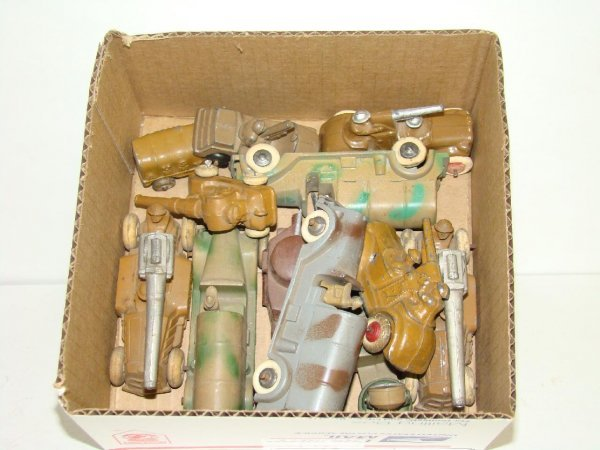 1022: LOT OF MANOIL MILITARY VEHICLES
