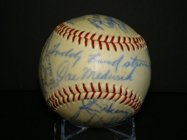 1009: Autographed Old Timers Ball.
