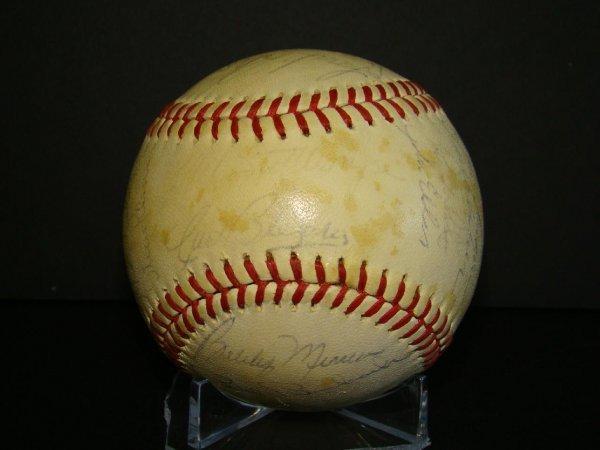 1019: Signed Yankee Team Ball.
