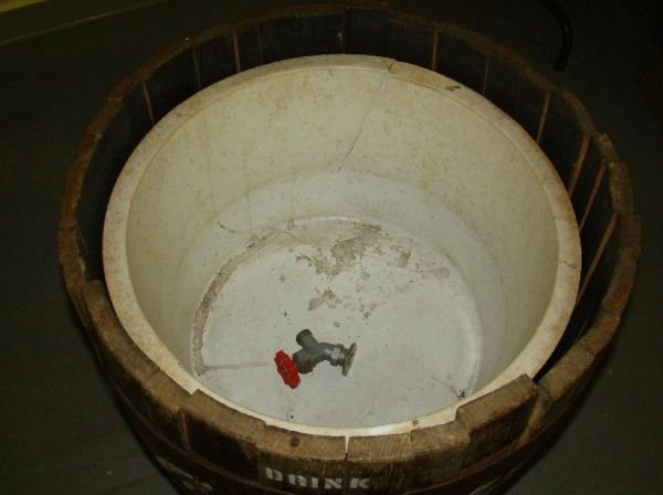 4402: Wooden Barrel Coca-Cola Ice Cooler - 3