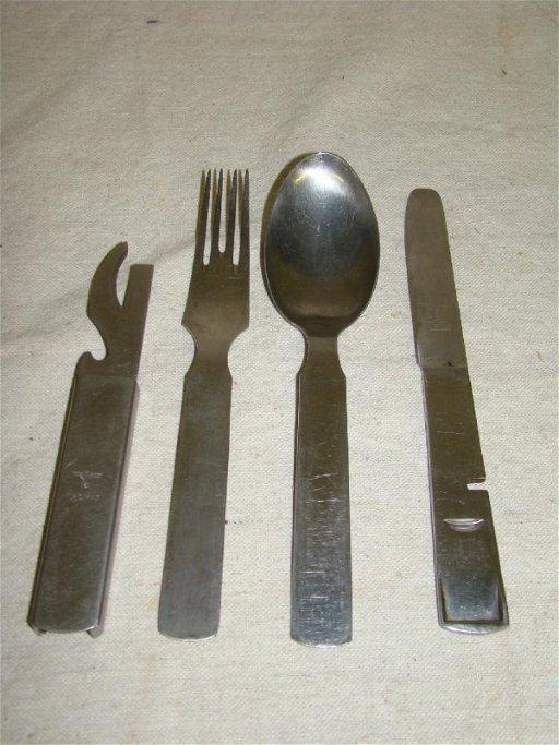 30: WWII German Mess Kit Utensils