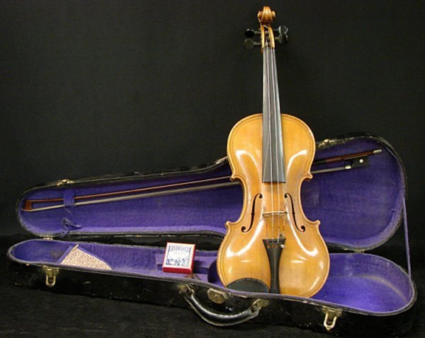 1021: VINTAGE VIOLIN WITH BOW AND CASE