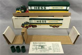 1975 Hess Box Trailer Truck with Original Box