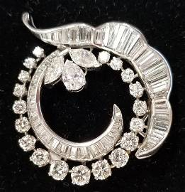 Ladies Platinum Diamond Brooch.