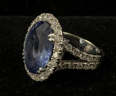Lady's White Gold Cocktail Style Ring.