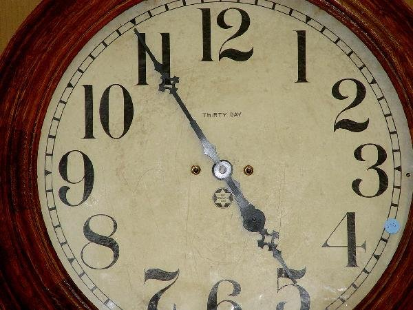 1270: OAK CASE NEW HAVEN THIRTY DAY WALL CLOCK - 2