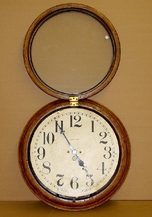 1270: OAK CASE NEW HAVEN THIRTY DAY WALL CLOCK - 3