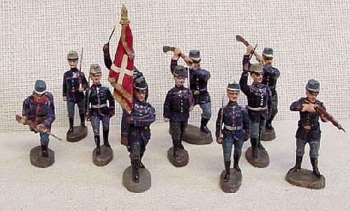 9: 11 Elastolin Foreign Toy Soldiers
