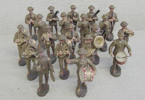 23: Lot of 20 Elastolin Band Soldiers