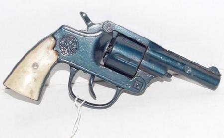 "1014: Kilgore ""Six Shooter"" Cast Iron Cap Gun"