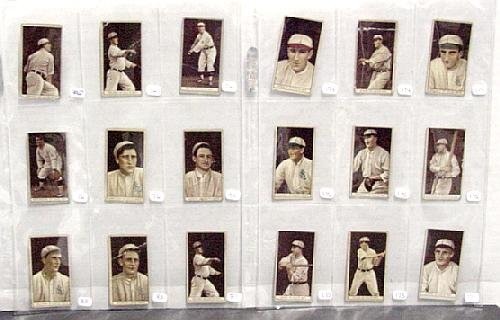 2001: LOT OF T-207 BASEBALL CARDS