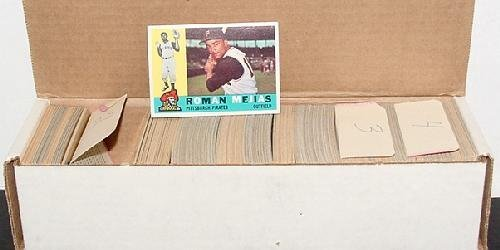 1007: TOPPS 1960 BASEBALL. APPROX. 515 HIGH G