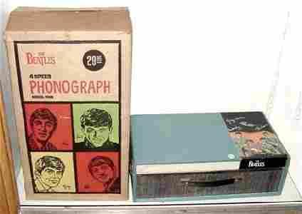 2131: SUPER RARE BEATLES PHONOGRAPH & BOX