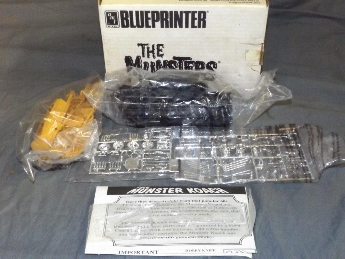 AMT The Munsters Blueprinter Dragula Model Kit