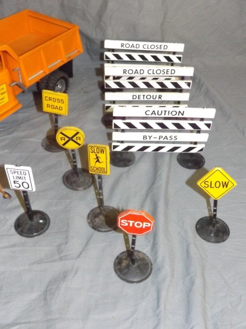 Tonka State Hi-Way Dept Trucks, Plows, Signs, - 4