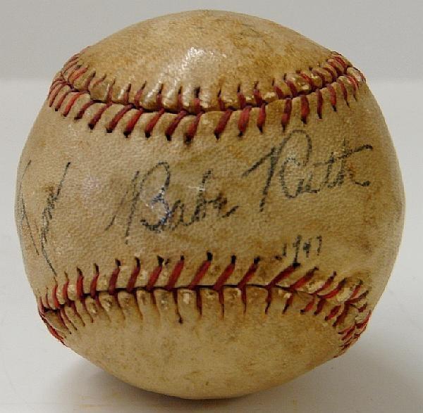 4001: BABE RUTH. SINGLE SIGNED BALL.