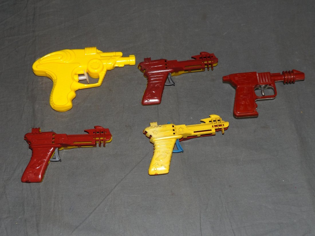 Lot of Vintage Plastic Space Ray Clicker Guns