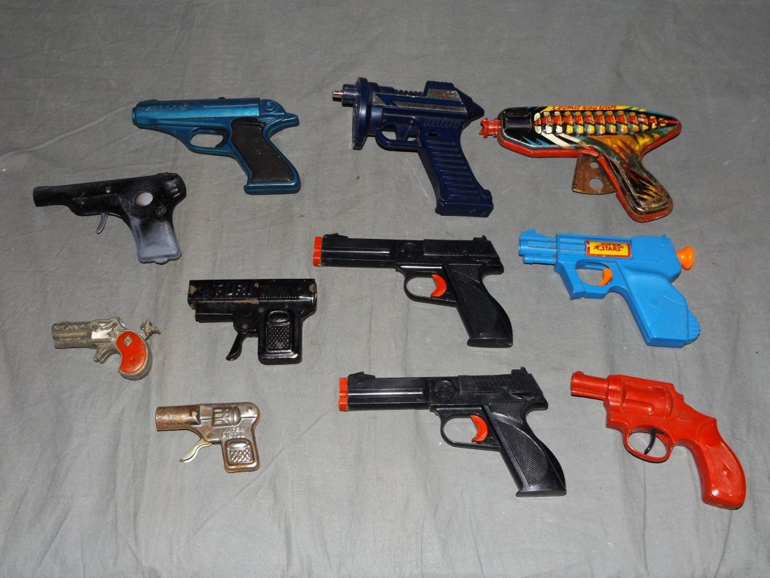 Lot of Assorted Toy Guns