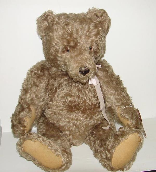 83: STEIFF BEAR. LARGE SIZE.