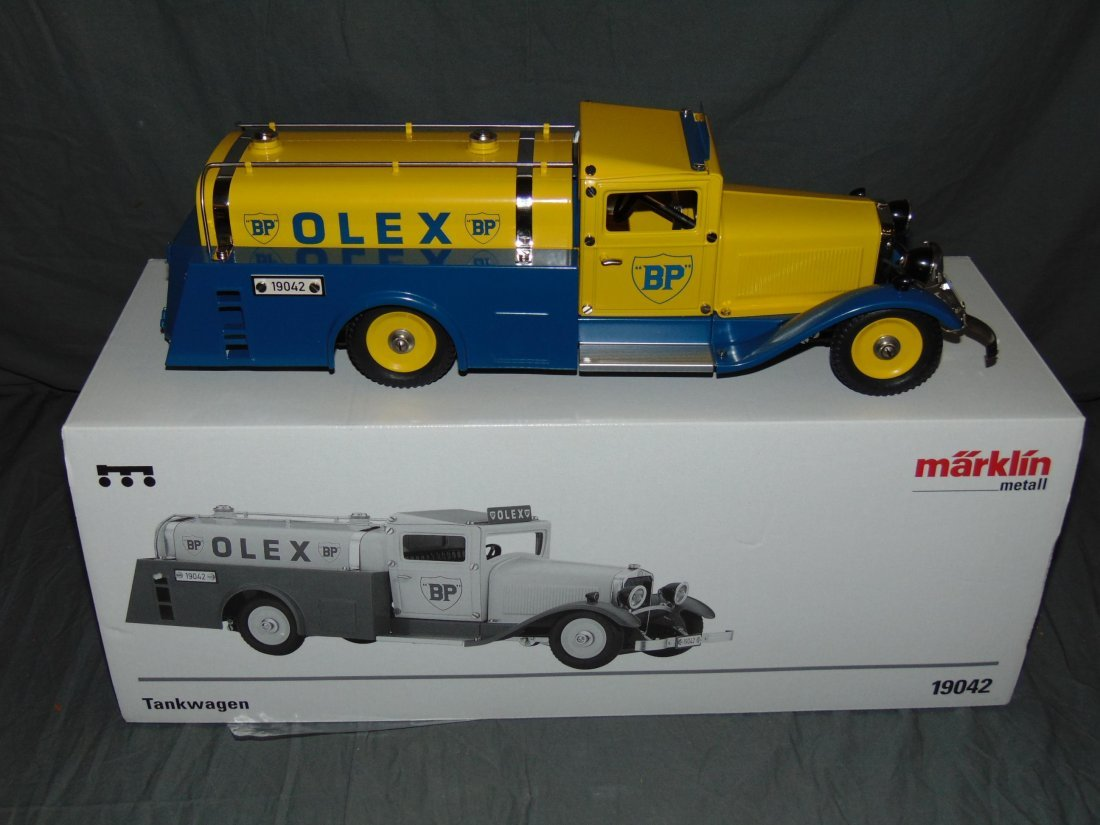 Marklin 19042 Olex Tank Oil Truck in Original Box