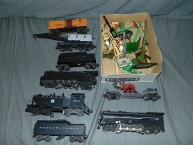 Lionel Postwar Lot Of Engines & Freight Cars