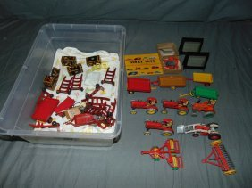 Mixed Toy Lot.
