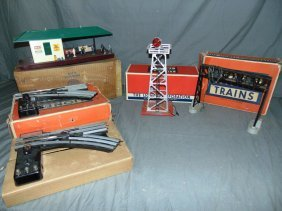 Lionel Postwar Lot Of Accessories