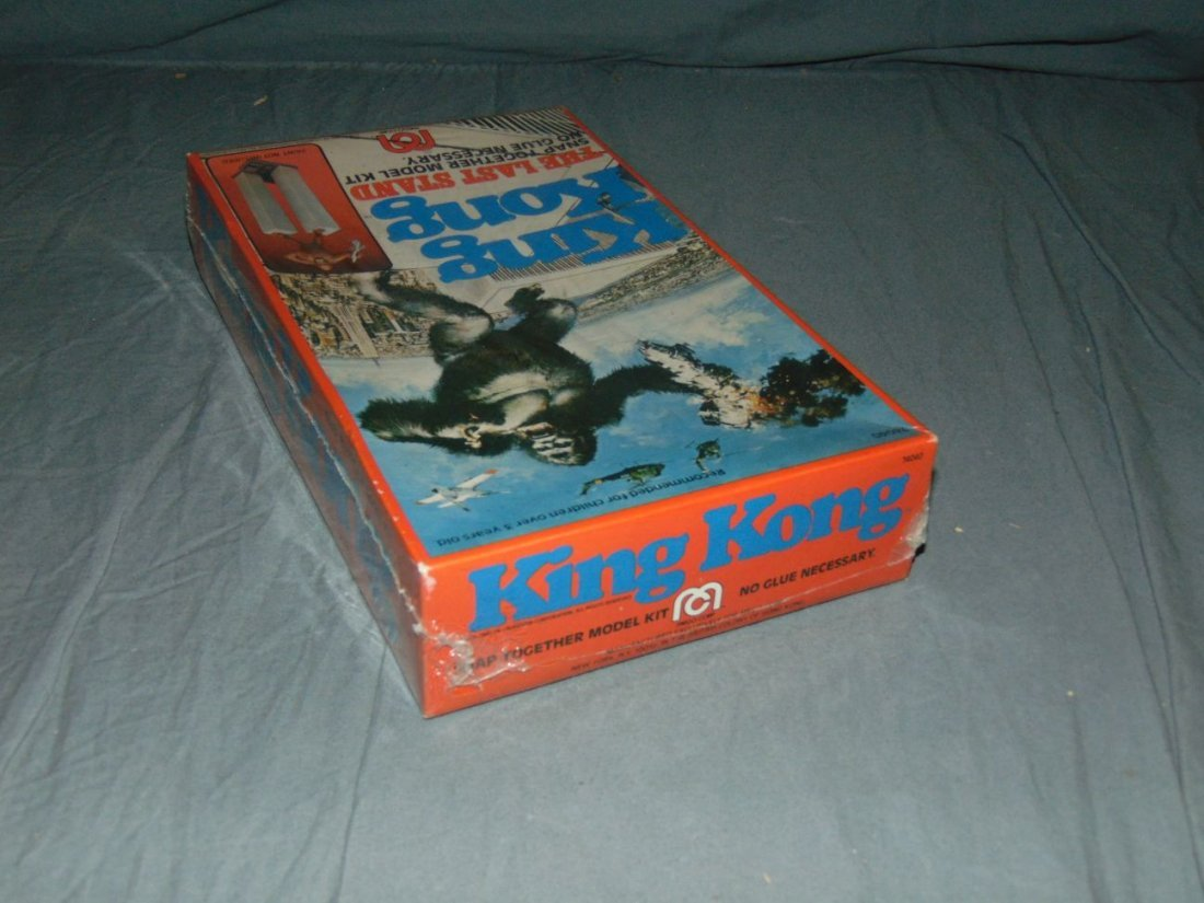 King Kong Mego Model Kit Twin Towers - 2