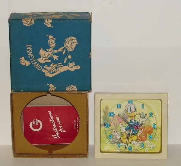 4005: DONALD DUCK BOXED ANIMATED CLOCK