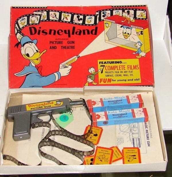 4019: DISNEYLAND AUTO-MAGIC PICTURE GUN IN BOX