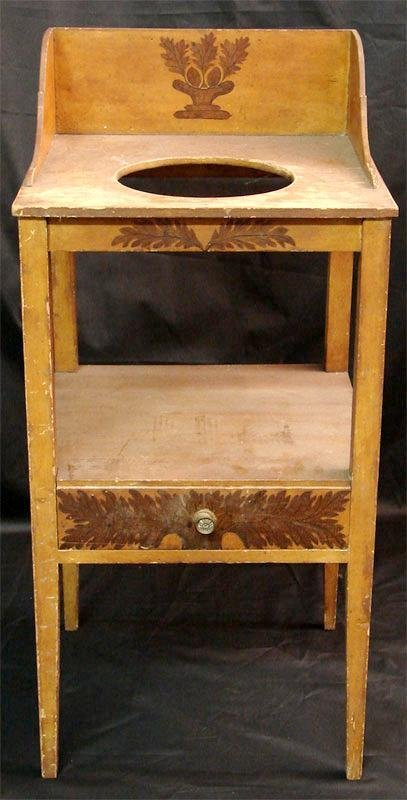 1004: EARLY 19TH CENTURY SMALL WASH STAND