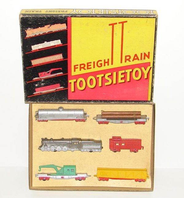 2021: TOOTSIETOY. FREIGHT TRAIN SET. SET 5550. 6 PIECE