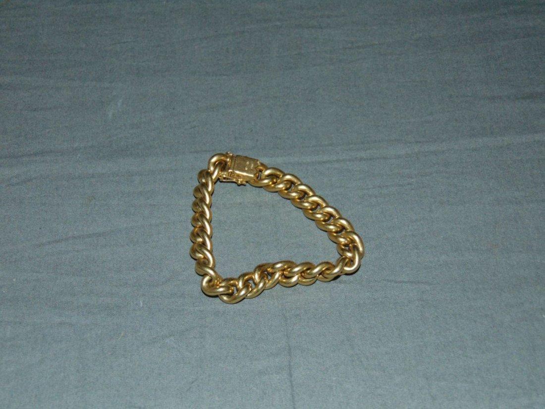 Jewelry. Gold Bracelet.