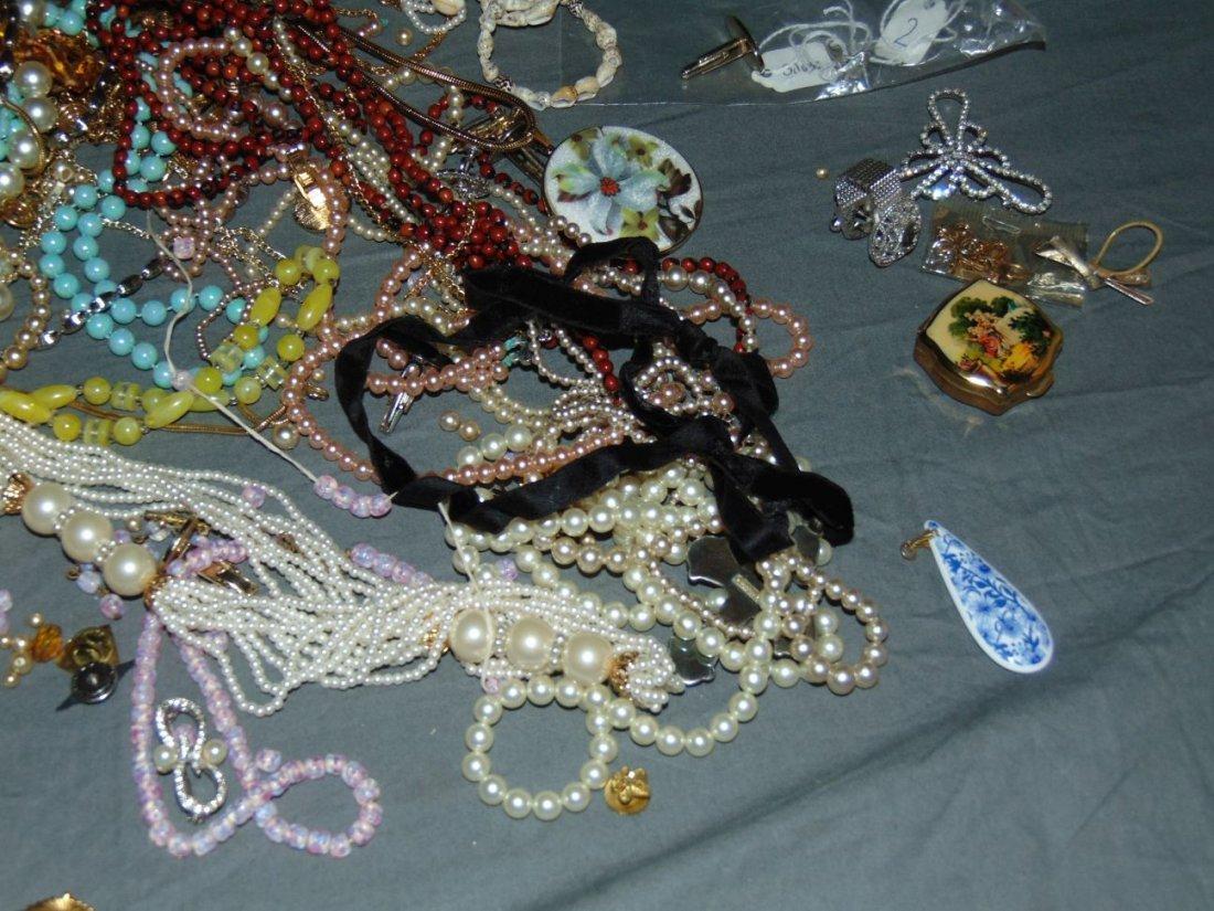 Costume Jewelry. - 3