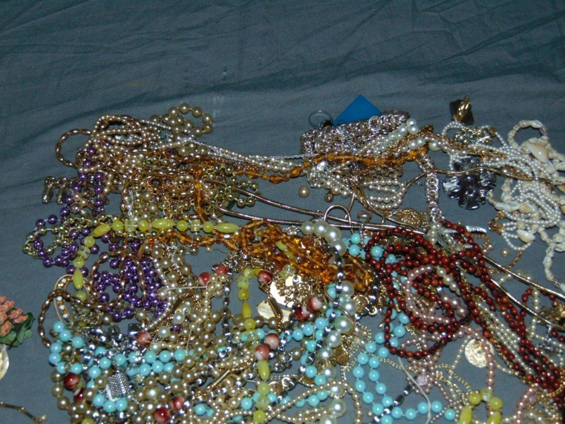 Costume Jewelry. - 5