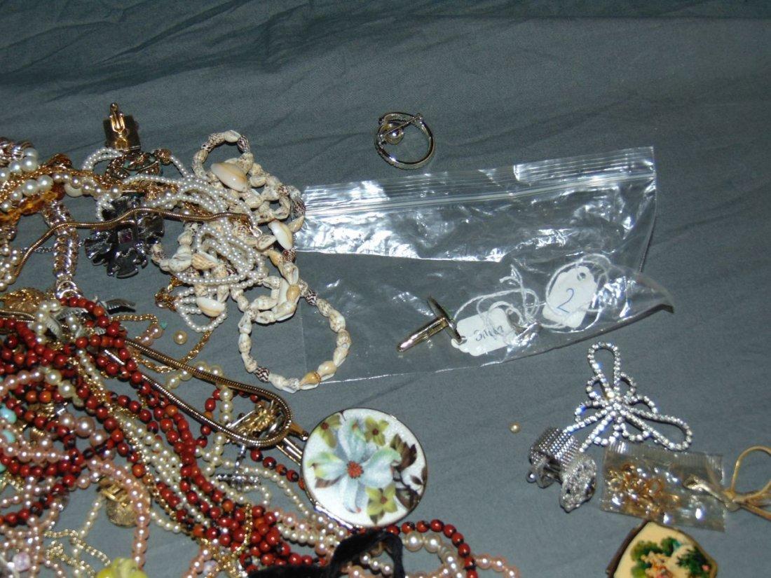 Costume Jewelry. - 6