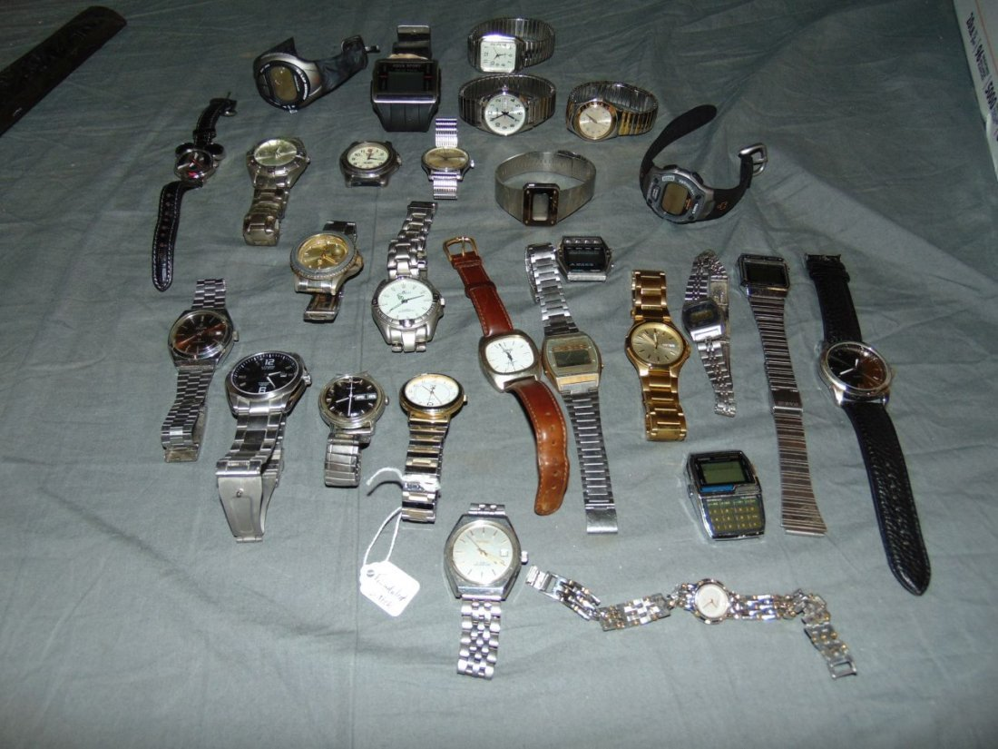 Large Lot of Watches.
