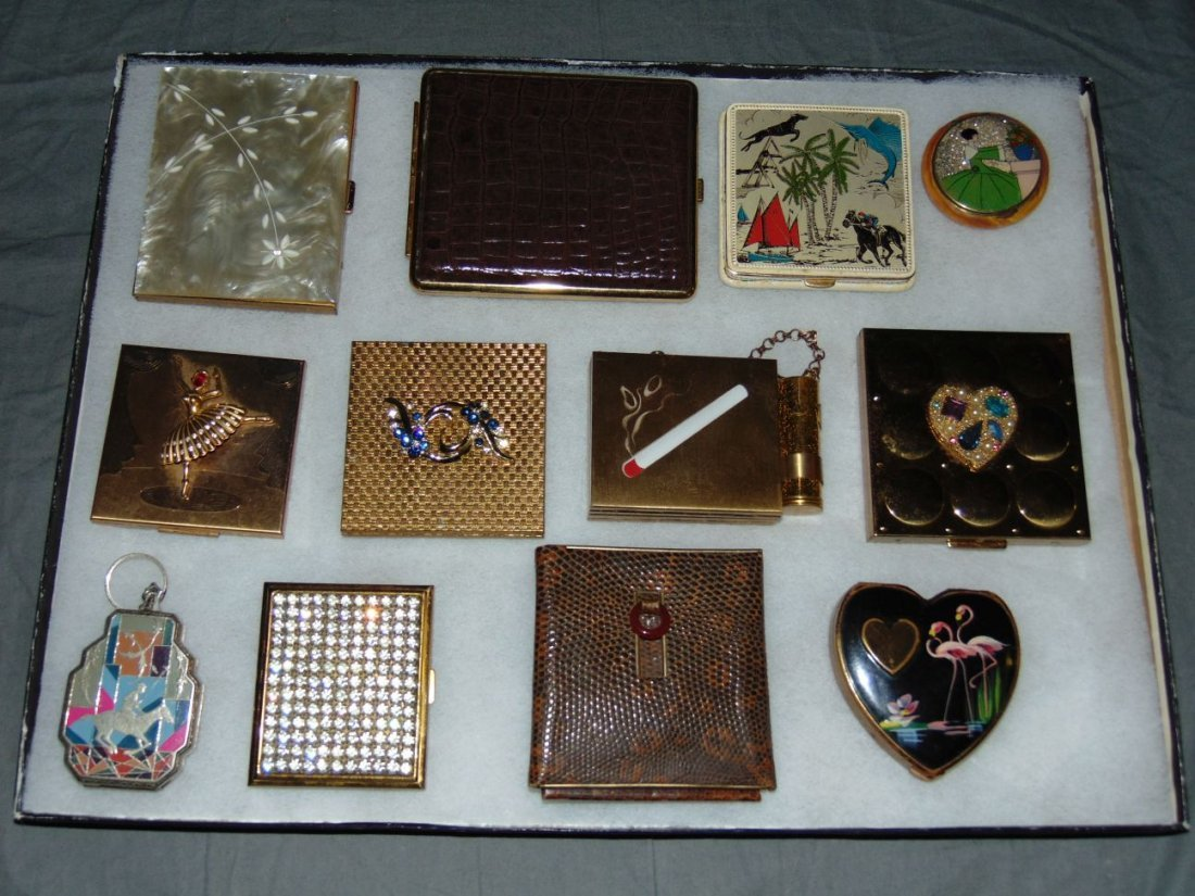 Tray Lot of Vintage Compacts/Cigarette Cases.