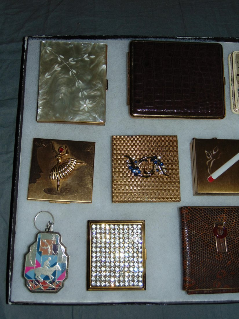 Tray Lot of Vintage Compacts/Cigarette Cases. - 2