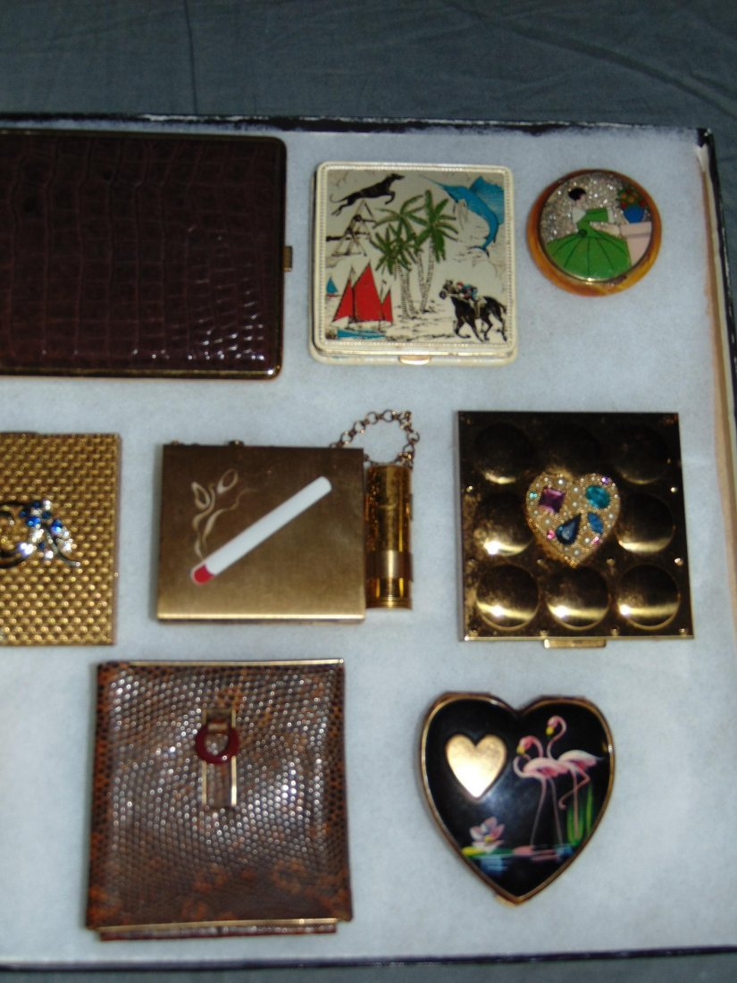 Tray Lot of Vintage Compacts/Cigarette Cases. - 3