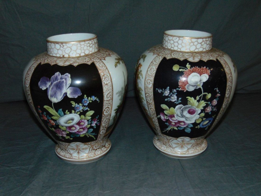 Pair of Decorative Porcelain Vases - 4